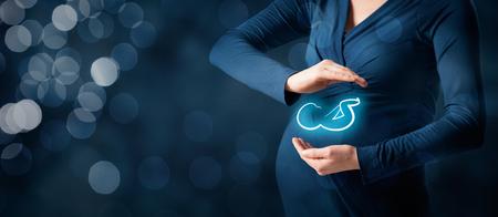 Attività di assicurazione maternità e il concetto di cura della gravidanza. Archivio Fotografico - 53492735