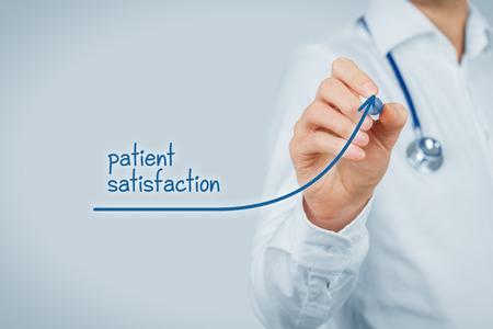 Doktor verbessern die Zufriedenheit der Patienten Konzept und einen besseren Zugang zu medizinischen und gesundheitlichen Betreuung. Arzt möchte Anzahl zufriedener Kunden zu erhöhen (Patienten).