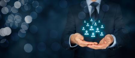L'attenzione al cliente, la cura per i dipendenti, gestione, risorse umane, assicurazioni sulla vita, agenzia di lavoro e concetti di marketing segmentazione.