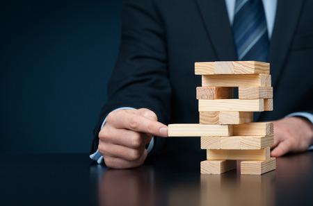 Metapher der Business-Lösung, Unterstützung, Versicherung, Innovation und anderen helfen, Business-Themen. Standard-Bild