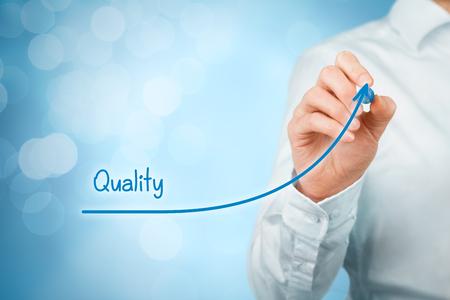 관리자 (사업가, 코치, 리더십)가 품질 향상 계획. 스톡 콘텐츠