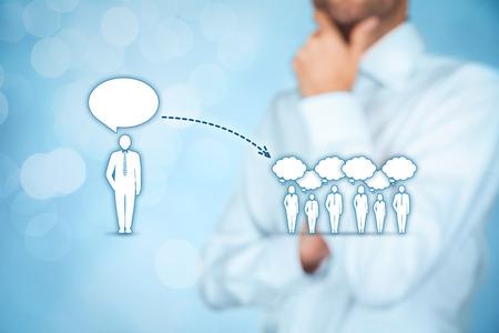 Influencer, leader d'opinion, chef d'équipe, chef de la direction et une autre entreprise leader concepts. leader d'opinion (par exemple politique) a le pouvoir d'influencer l'opinion de masse de personnes en particulier les clients.