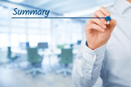 Zusammenfassung Überschrift - Hintergrund-Vorlage für Business-Präsentation. Büro im Hintergrund. Standard-Bild