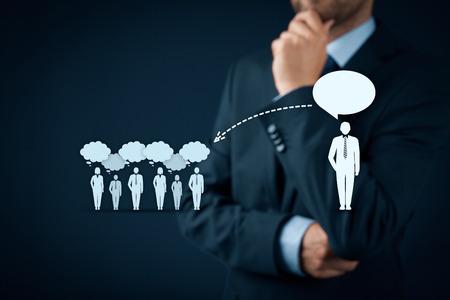 Influencer, leader d'opinion, chef d'équipe, chef de la direction et une autre entreprise leader concepts. leader d'opinion (par exemple politique) a le pouvoir d'influencer l'opinion de masse de personnes en particulier les clients. Banque d'images - 53858410
