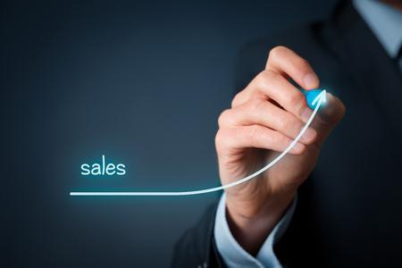Zwiększenie koncepcji sprzedaży firmy. Biznesmen plan wzrostu sprzedaży.