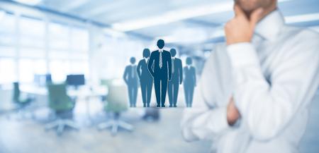 Beïnvloeder, opinieleider, teamleider, CEO en een ander bedrijf toonaangevende concepten. Opinion leader (bijvoorbeeld politicus) is bevoegd om advies massa mensen vooral klanten te beïnvloeden. Stockfoto - 56357271