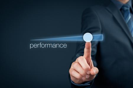 Le gestionnaire (homme d'affaires, entraîneur, chef de file) prévoit augmenter les performances de l'entreprise. Banque d'images - 56358540