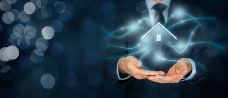 電脳住宅、スマート ホームやホーム オートメーション コンセプト。家と無線通信のシンボル。 写真素材