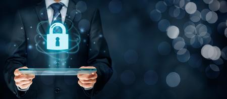 Cybersécurité et de la technologie de l'information des services de sécurité concept. Vous devez vous identifier ou vous connecter concepts Internet. Banque d'images - 71920139