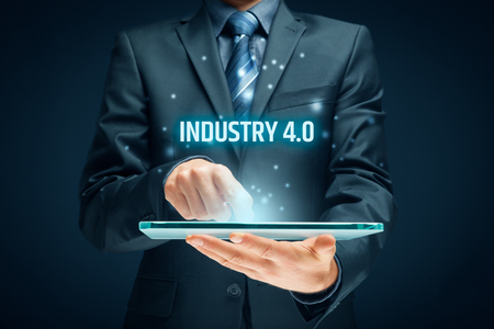 Industrie 4.0 - automatisering, robotica en gegevensuitwisseling in productietechnologieën. Slim fabrieksconcept.