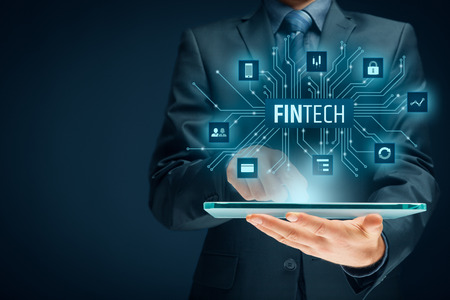 Fintech (financiele technologie) concept. Bedrijfs persoon met tablet en fijne illustratie.