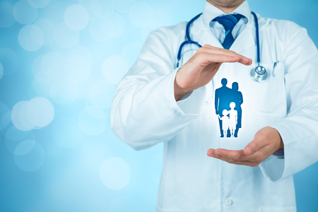 Health (medical) and life insurance for the whole family concept. Practitioner doctor with protective gesture and icon of family. Banque d'images