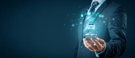 Coche inteligente, vehículo inteligente y concepto de coches inteligentes con teléfonos inteligentes. Símbolo del automóvil e información a través de comunicación inalámbrica sobre seguridad, ubicación de estacionamiento, combustible, análisis de conducción, servicio y configuración del automóvil.