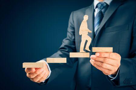 Entrenador motivar al concepto de desarrollo personal, éxito y crecimiento profesional. Foto de archivo