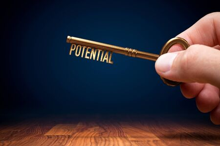 Coach (manager, mentor, HR specialist) has a key to unlock potential - motivation concept. Zdjęcie Seryjne - 131003636
