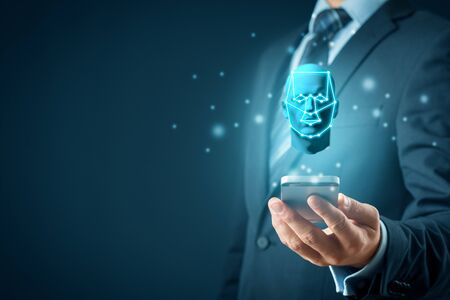 Smart phone face detection and identification (ID) concept. Facial recognition protection and security. Banque d'images