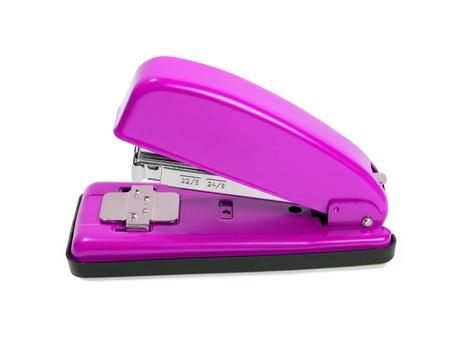 grapadora: Grapadora de púrpura sobre fondo blanco
