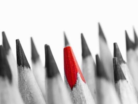 unterschiede: Red Bleistift zwischen schwarzen Lizenzfreie Bilder