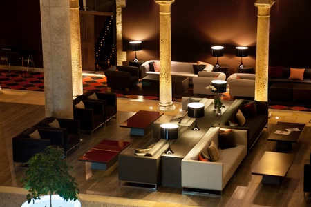 ソファに位置する、ホテルのトップ ビュー