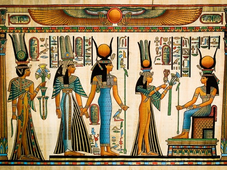 esfinge: Papiro egipcio que representa a la reina Nefertari haciendo una ofrenda a Isis Foto de archivo