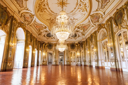 Queluz, Portugal - July 4, 2012: The Ballroom of Queluz National Palace, in the municipality of Sintra, Lisbon district, Portugal Imagens - 18328648