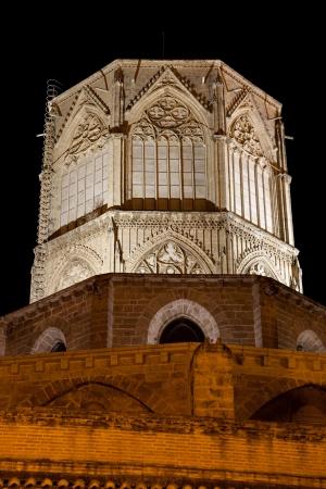 octogonal: Valencia s Catedral, Espa�a Torre octogonal en la noche