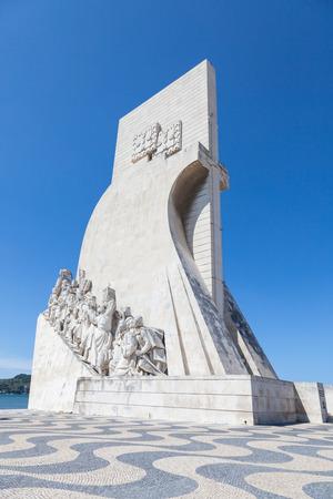 caravelle: Padr�o dos Descobrimentos (Monument des D�couvertes), monument du Tage berge. Il c�l�bre les Portugais qui ont particip� � l'�ge de la d�couverte, Lisboa, Portugal