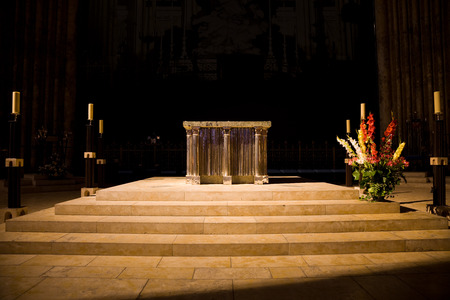 altar: Altar of Chartres Cathedral, France