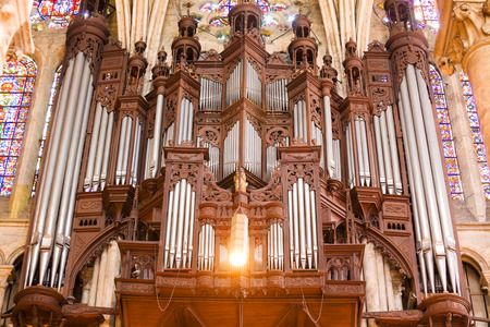 pipe organ: Pipe organ of Chartres Cathedral, close up. France