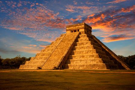 mayan culture: El Castillo Kukulkan Temple of Chichen Itza, mayan pyramid in Yucatan, Mxico
