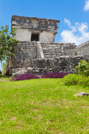 caribe: Tulum, archeological site in the Riviera Maya, Mexico. Site of a Pre-Columbian Maya walled city serving as a major port for Cobá Stock Photo