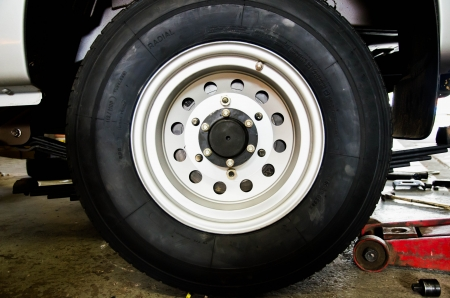 5 tons extra load metal wheel with heavy duty tyre photo