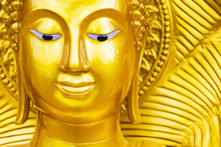 The Buddha represents the meaning of Buddhism, the Buddha looks golden yellow, shining with light, and then look luxurious.