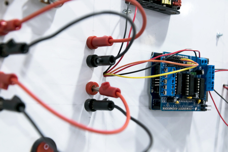 Red And Black Wires Are The Main Current The Plug Is Not Tight ...