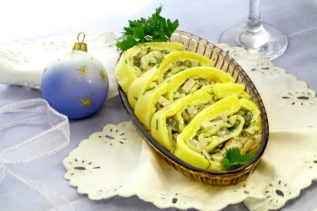 Christmas cheese rolls with gherkins and a ham