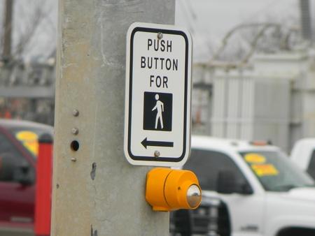 Crossing Sign Redakční