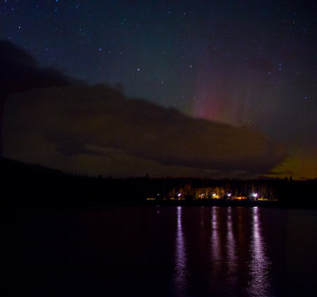Northern Lights dance above the North Shore of Lake Superior in Minnesota 版權商用圖片