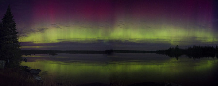 Northern Lights Shot in Northern Minnesota in Summer 스톡 콘텐츠 - 101150662