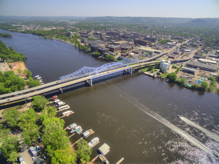La Crosse is a Community in Wisconsin on the Mississippi River 스톡 콘텐츠
