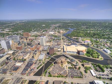 로체스터는 건강 관리를 중심으로 한 미네소타 동남부의 주요 도시입니다. 스톡 콘텐츠 - 102137339