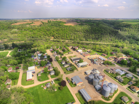 Millsville은 극동 미네소타에있는 작은 농업 공동체입니다. 스톡 콘텐츠 - 102219646