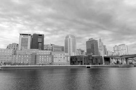흑인과 백인 세인트 폴 미네소타의 HDR 풍경