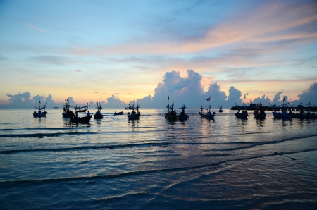 hua hin: Boats at fishing pier in Hua Hin, Thailand