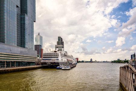 maas: Rotterdam, Netherlands - August 6, 2016: Cruise in the harbor of Rotterdam