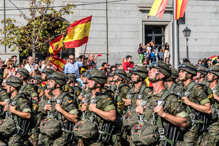 Paratroopers marching in Spanish National Day Army Parade