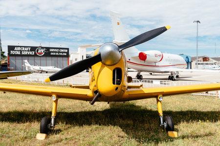 Aviones De Havilland DHC-1 Chipmunk durante air show
