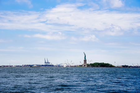 Scenic view of Statue of Liberty and Staten Island in New York
