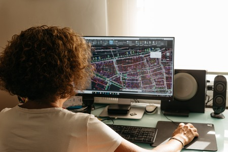 建築設計を設計するCADソフトウェアで設計する建築家