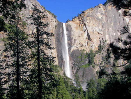 sierra nevada mountains: bridal veil falls - yosemite Stock Photo