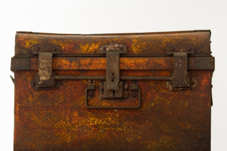 casing: Steel casing Old iron chest